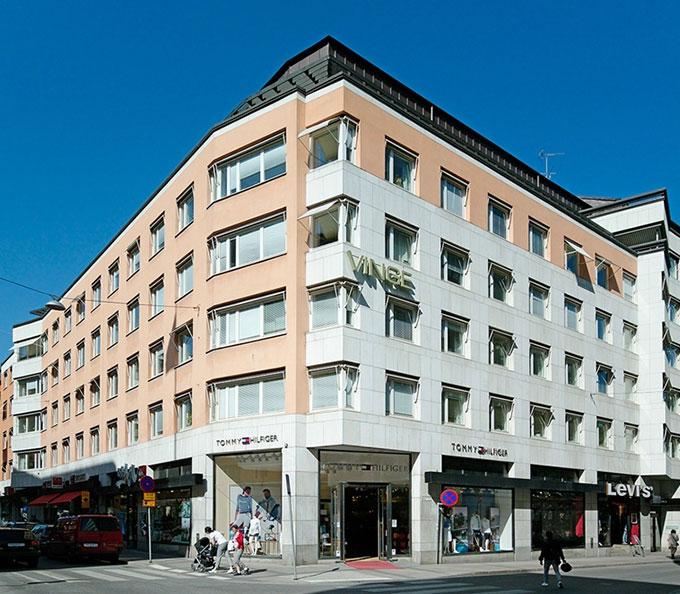 Kv Skären Stockholm city; Invändig målning och tapetsering av kontor